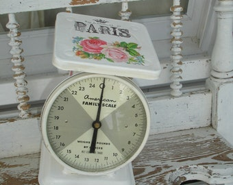 American family scale*25 pounds*Cottage biscuit*French Graphics*Double pink cottage roses*Vintage*OAK*Works great