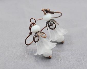 Bridal Jewellery, Lucite Flower Earrings, White Floral Earrings, White Trumpet Earrings, Brass Earrings, Bridal Jewelry, Wedding Earrings