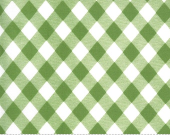 1 fat quarter - Sunday Stroll - Picnic Gingham in Green: sku 55227-20 cotton quilting fabric yardage by Bonnie & Camille for Moda Fabrics