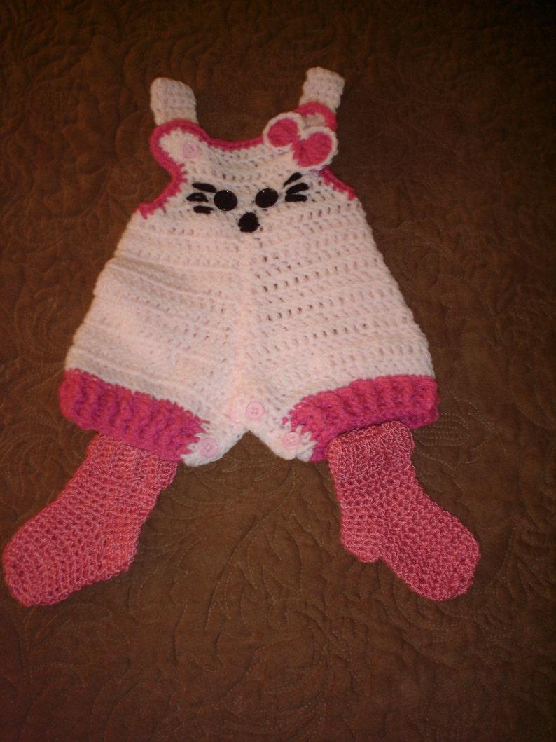 SALE ITEM Girls 0-3months kitty cat romper /& sock set.