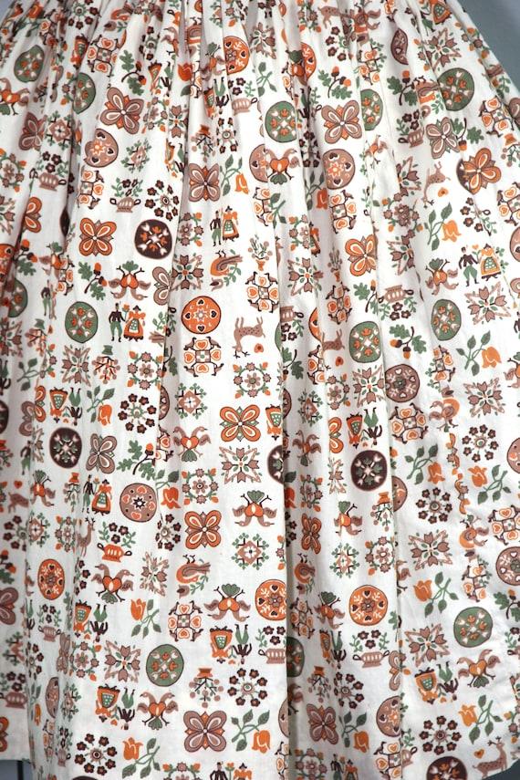 1950s skirt / novelty print / LITTLE FOLKLORE / v… - image 2
