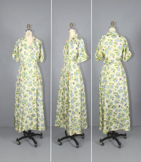 1940s robe / silk robe / dressing gown / SUGAR PLU