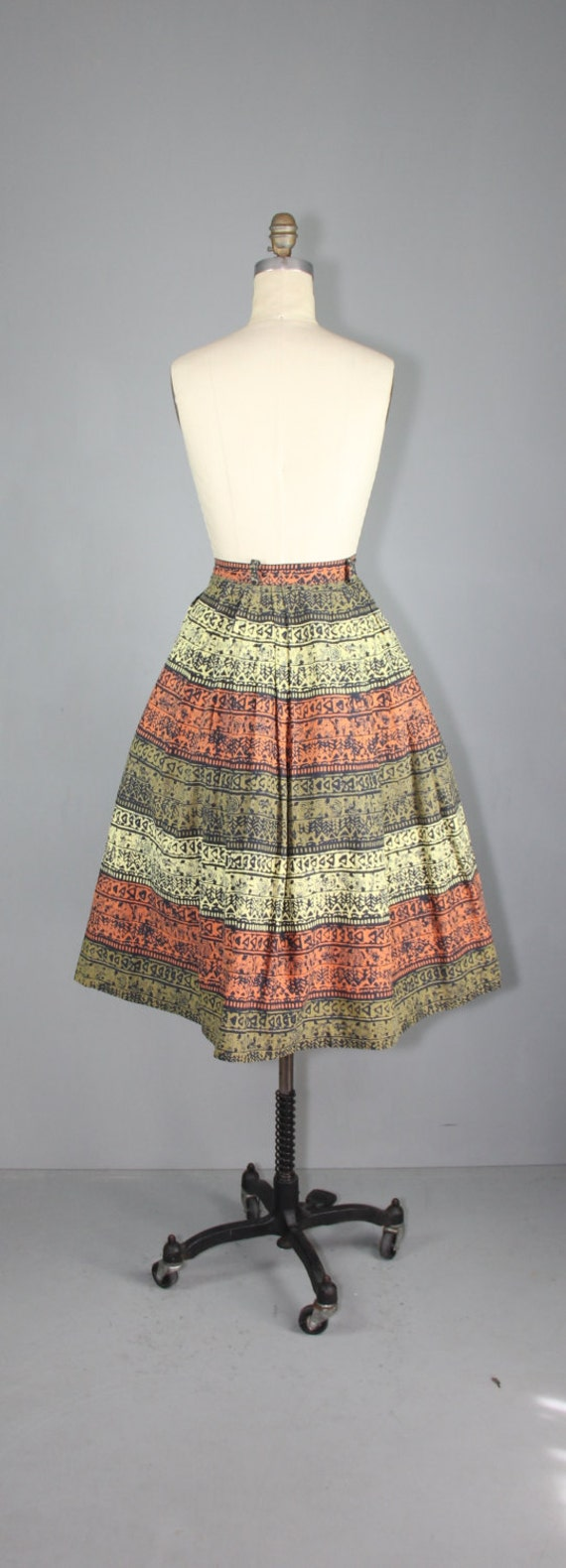 vintage skirt / 1950s / novelty print / TRIBAL SC… - image 5