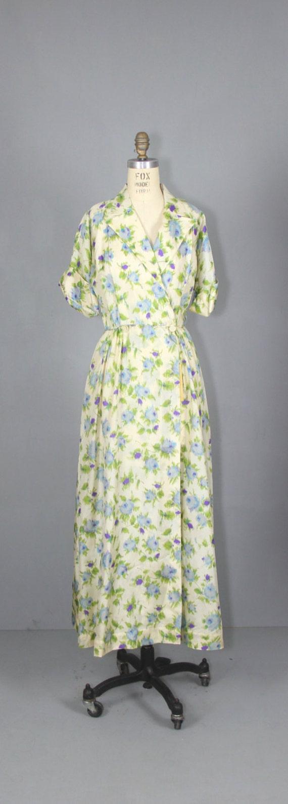 1940s robe / silk robe / dressing gown / SUGAR PL… - image 2