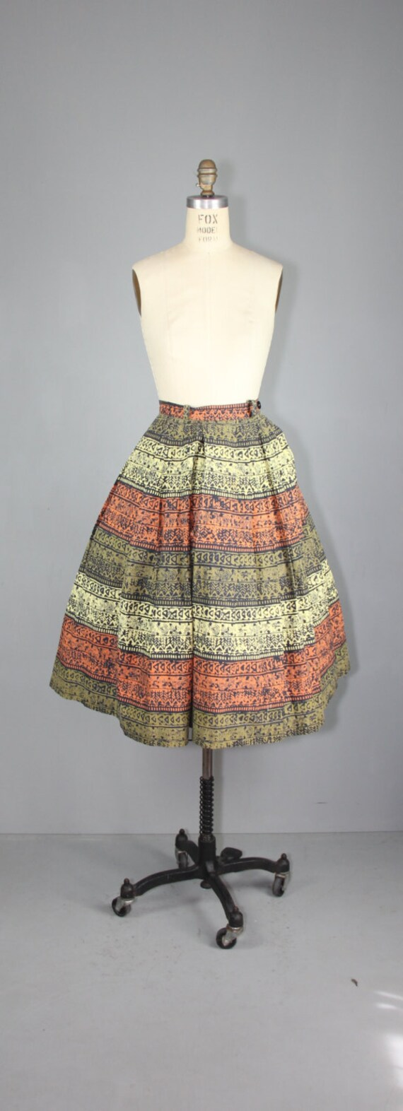 vintage skirt / 1950s / novelty print / TRIBAL SC… - image 3