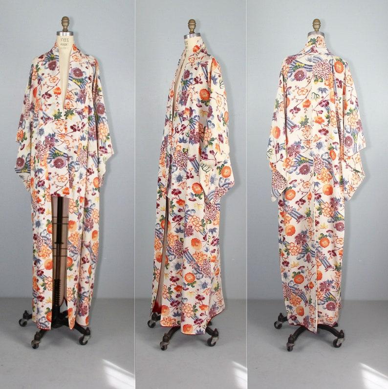 floral kimono  vintage kimono  1950s kimono  silk robe  image 0