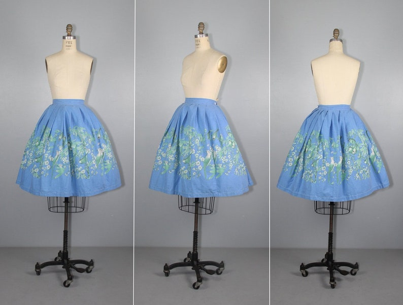 1950s novelty skirt  Parakeet  vintage skirt  cotton  bird image 0