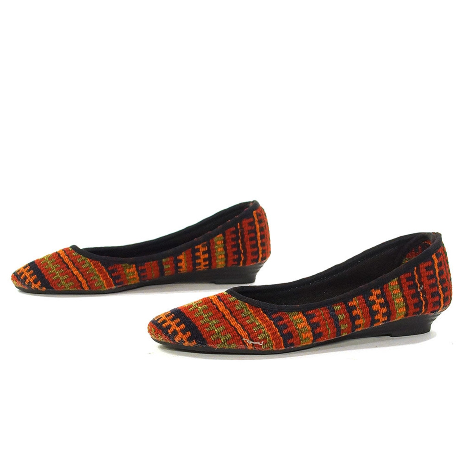 kilim ballet flats vintage 90s slip on carpet loafers woven ethnic boho hippie southwestern tapestry shoes round toe stripe patt