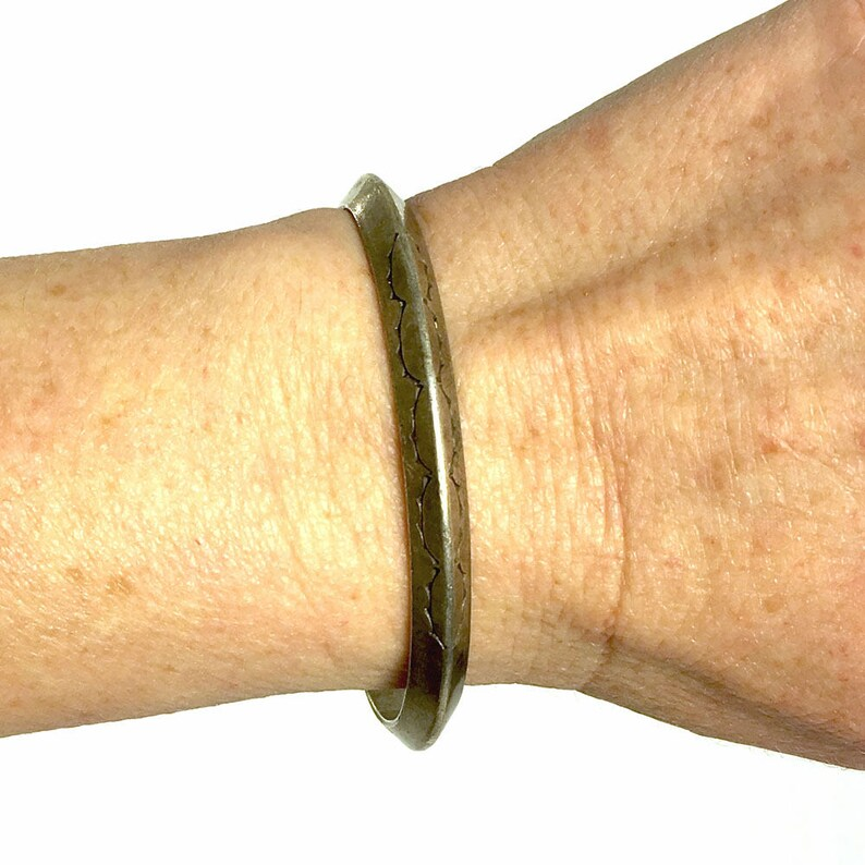 Solid Sterling Silver Cuff Vintage Western American Indian Stamped Carinated Stacking Bracelet 6 58 Total Circumference