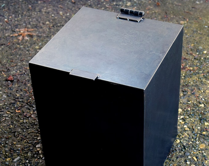 Bathroom Trash Can, Steel Modern Trash Can, Minimal and Modern Trash Can
