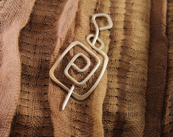 Clasp or Closure for Wrap Style clothing, Square SP28