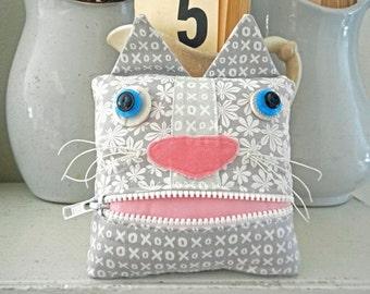 Handmade Kitty Cat Fabric Art Doll Tooth Fairy Pillow Pink Gray White Stuffed Stuffie Zipper Mouth Pouch Home Decor Shelf Sitter Pillow
