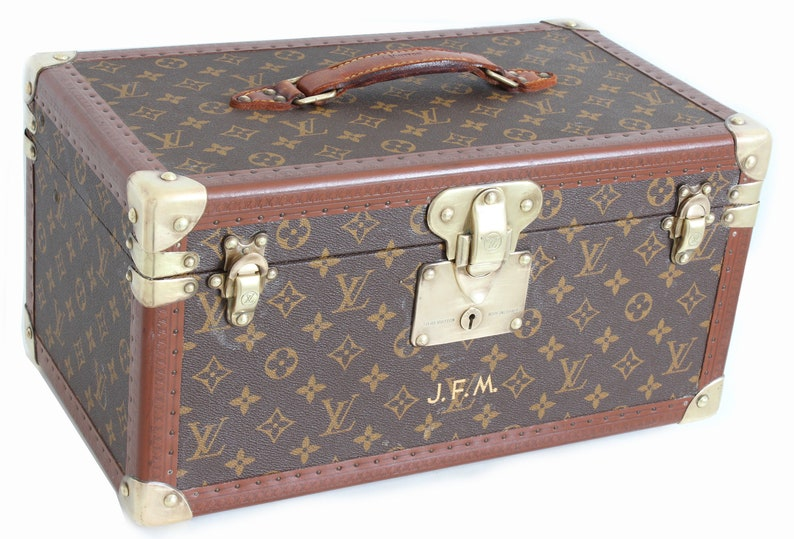 1497facfe34d Rare Louis Vuitton Monogram Train Case Vanity Small Trunk