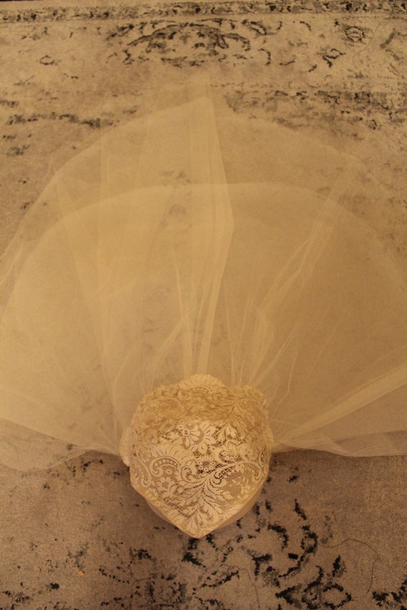 Vintage Chantilly Lace Cap & Silk Tulle Wedding V… - image 2