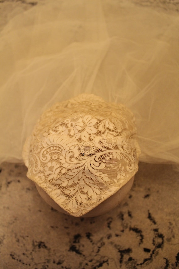 Vintage Chantilly Lace Cap & Silk Tulle Wedding V… - image 5