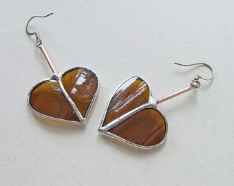 Âmbar Corações Valentine's Day Hearts Amber Heart Earrings from Repurposed Glass Bottle