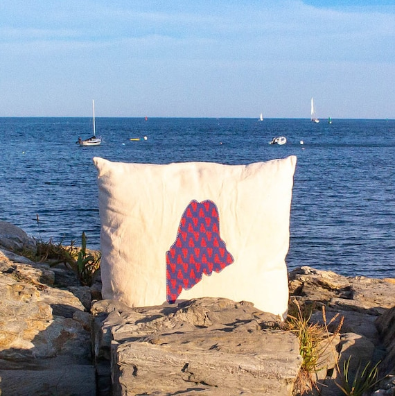 "Signature State of Maine Throw Pillow · ECO-friendly 18""x18"" · Accent Pillow · Decorative Throw Pillow · Pillow Cover"