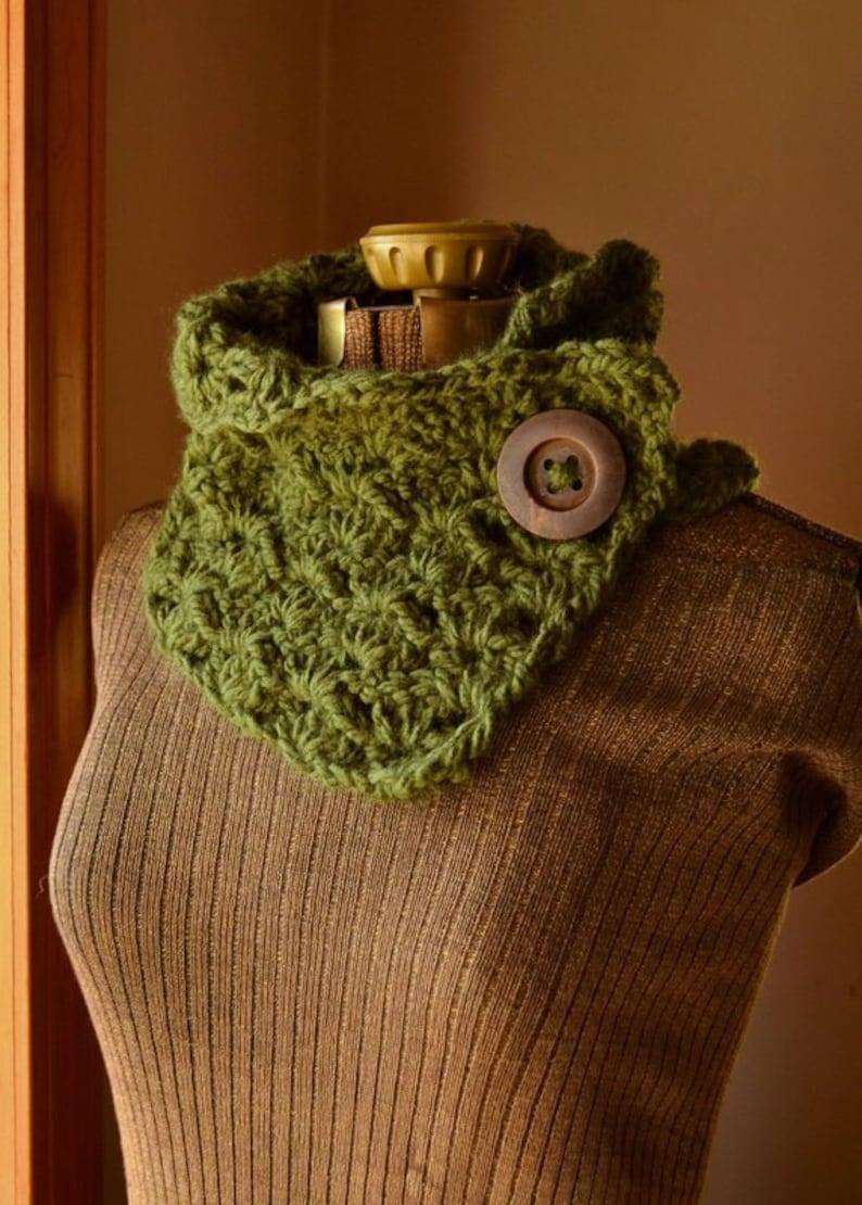 Green Button Scarf Crochet Scarf Neck Warmer Cowl Crochet image 0