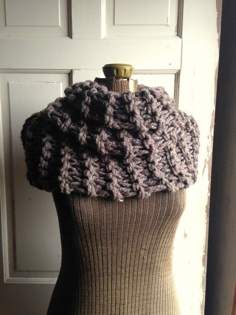 Chunky Knit Scarf Barley Brown Infinity Cowl Claire Outlander image 0