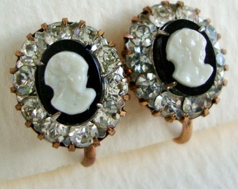 Vintage Rhinestone Cameo Earrings, Black and White Cameo, Small Oval Clip-On Stud Earrings, Vintage Bridal Jewelry, 1940s 1950s, Victorian