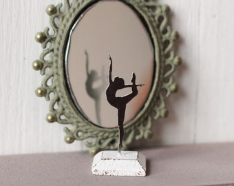 Miniature Dollhouse Woman/'s Gymnastic Trophy ISL