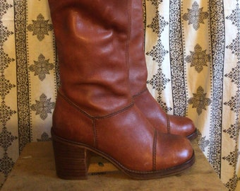 These gorgeous & sexy boho/cowboy boots were made for walking, or dancing! Sz 9