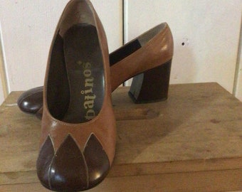 Sassy vintage Patinos two tone heels, Sz 7