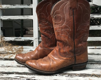 Vintage Hyer Cowboy Boots- A piece of cowboy history.