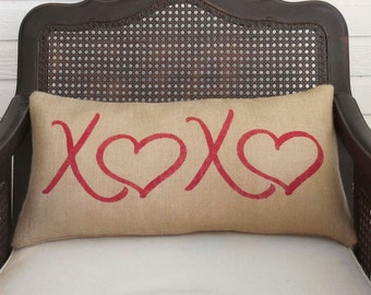 XOXO - Burlap Pillow - Hugs and Kisses - Valentines Décor - Love Pillow - Red Heart Pillow - Valentines day - Valentine Pillow