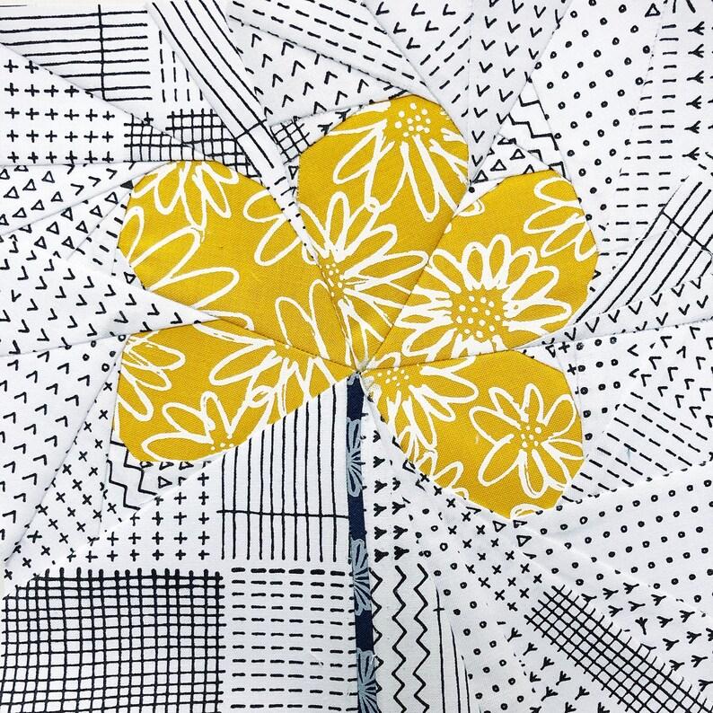 Wire Flower Foundation Paper Piecing pattern image 0