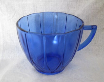 Vintage Hazel Atlas Hairpin / Newport cobalt blue tea / coffee cup