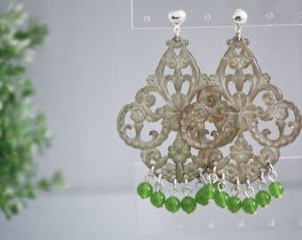 ONE OF A KIND | Orecchini Charming Candy, filigrana di lucite verde oliva, orecchini chandelier,