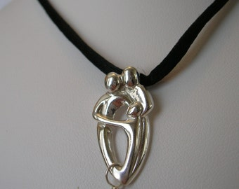 Sterling Silver Mothers Pendant - One Child
