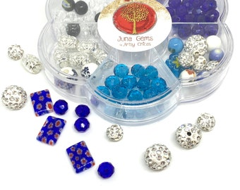 Bead Kit / Bracelet Making Kit / Make Your Own Jewelry / Makes 4-5 Bracelets / Blue or Purple / Home School Project / Mommy and Me Craft