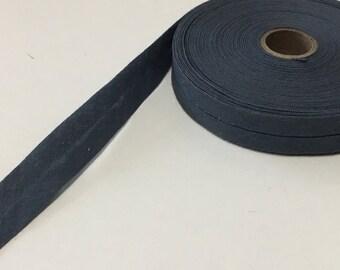 "1 Roll — 12.5 m / 13.6 yds — VINTAGE / ANTIQUE pre-folded bias-tape — dove grey — cotton — 14 mm / 9/16"" wide unfolded — 7 mm / 5/16"" folded"