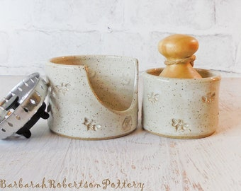 Kitchen Sink Set - 3 pc SET - Vanilla White w/ Bees - Sink Pot & Scub Brush Holder - Kitchen Decor - Kitchen Storage