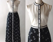 Chic 60s Button Front Black and White Graphic Knit Long Mod Maxi Dress