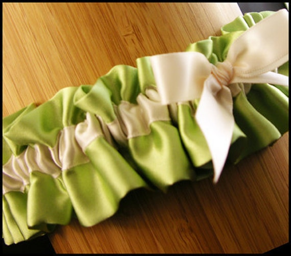 Why Two Garters For Wedding: Wedding Garter Two Color With Wedding Date Embroidery