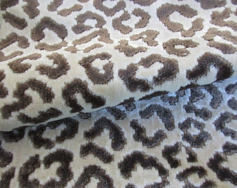 Details about  /2 YARDS OF DRAMATIC REVERSIBLE SOFT CHENILLE UPHOLSTERY FABRIC ANIMAL PRINT