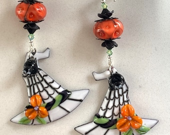 Swarovski Crystal and Enameled Lampwork Beaded Dangle Witch Hat and Spider Halloween Earrings  ooak hand made ready to ship srajd