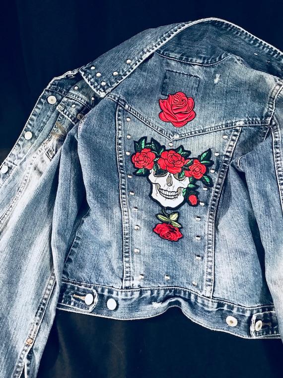 De Mort Dos Roses En Patch Des JacketVeste Avec Au CloutéPetitTête Jean Y6ybvgf7
