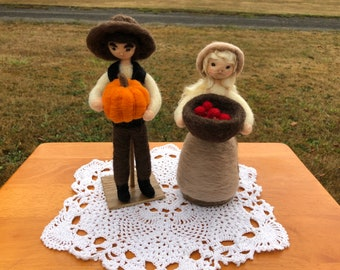 Thanksgiving Pilgrims Man and Woman Little House on the Prairie Style Waldorf Needle Felted Doll set Centerpiece