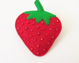 STRAWBERRY - Felt Brooch - Juicy Red Strawberry Fruit - Accessory - Pin - Lovely Gift Idea