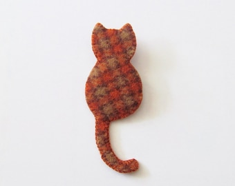 CINNAMON - Felt Cat Brooch - Ginger Stripe Cat - Accessory - Pin - Present For Cat Lovers
