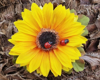 Sunflower Hair Clip, Lady Bug Hair Accessorie, Sunflower Floral Barrette, Yellow Flowers, Pinup, Rockabilly, Sunflower Wedding