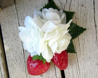 Strawberry Hair Clip, Fruit Fascinator, Strawberry Accessory, Rockabilly, Pinup, Red Berries Floral Headpiece, Strawberries and Roses