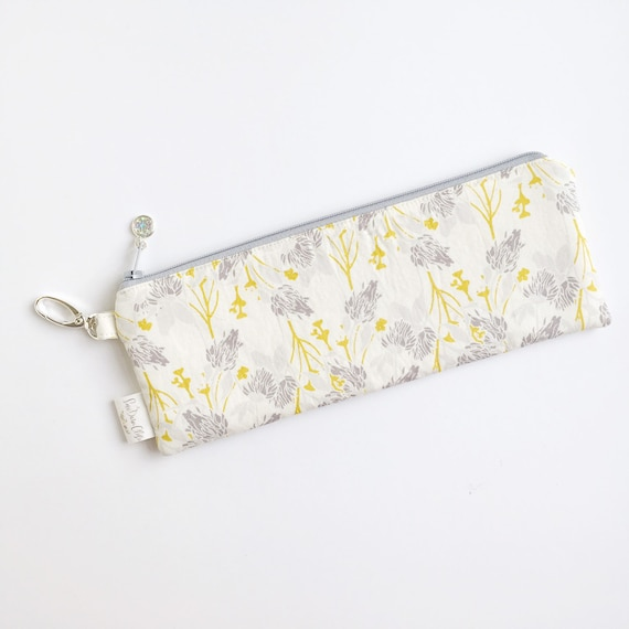 "9.5"" x 3.5"" Top Zippered Pouch // Clover"