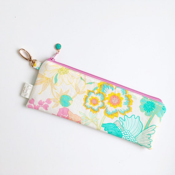 "9.5"" x 3.5"" Top Zippered Pouch // Blooms"