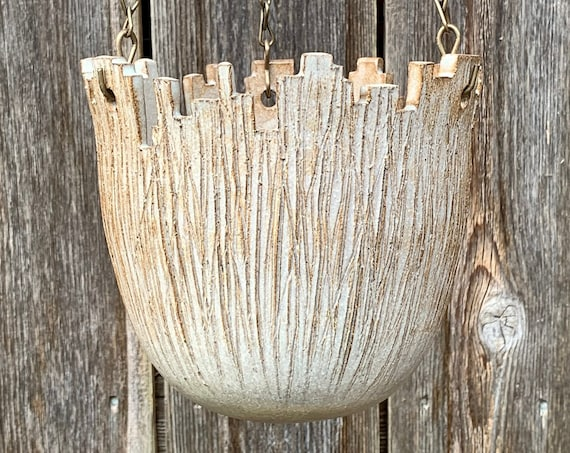 ceramic hanging pot in white and beige