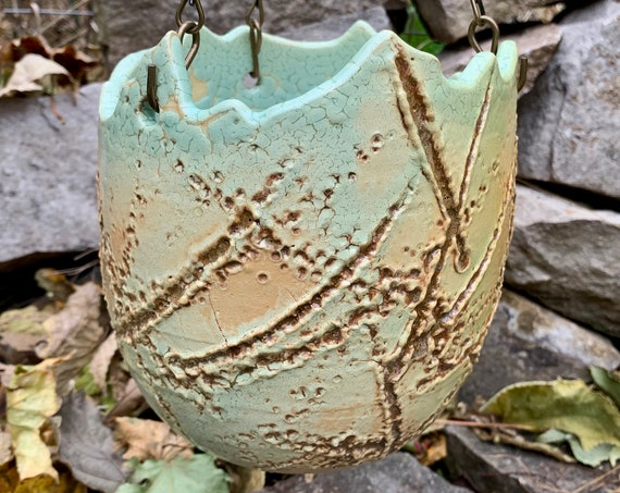 ceramic hanging pot in melon green and brown